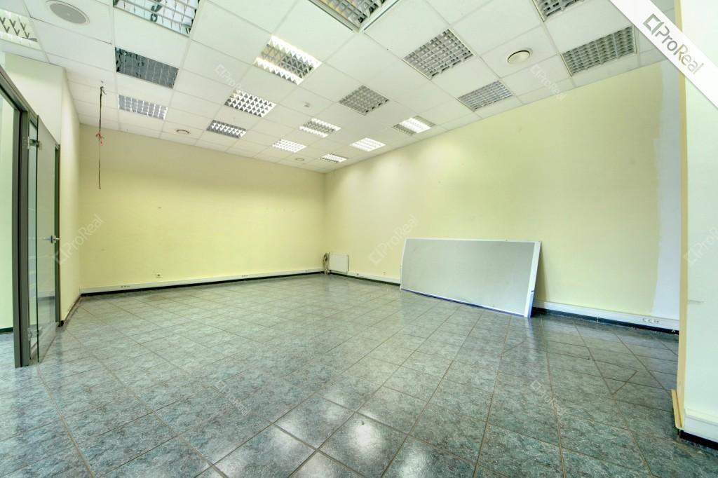 Nuomojamos 80 kv. m. patalpos centre, tinkamos prekybai